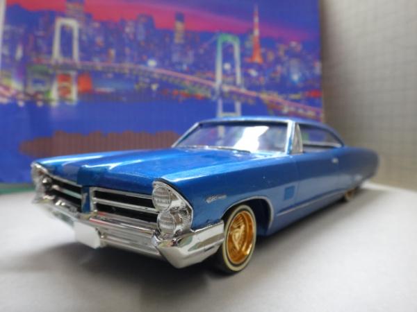 1965_Pontiac 2+2 Lowrider