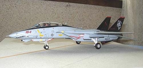 HASEGAWA 1/72 F-14D VF-101 AD164