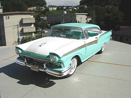 AMT 1957 FORD FAIRLANE 500