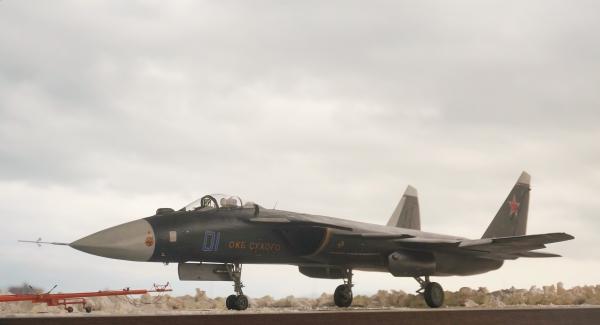 1/32  Su-47