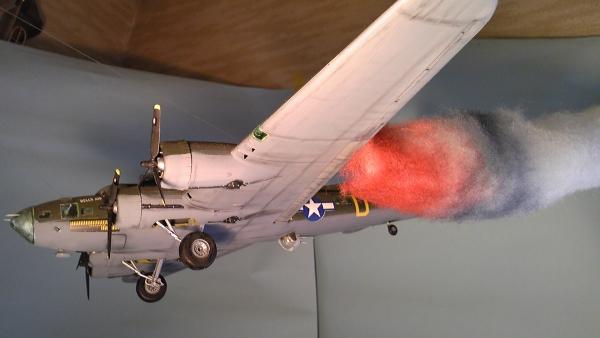 B-17  炎上