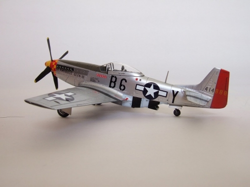 """P-51D """"GLAMOROUS GLENⅢ"""""""