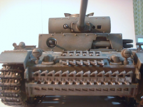 ヘンロン(アオシマ1/16)Ⅲ号戦車L型
