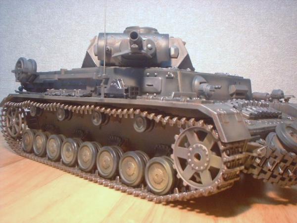 ヘンロン(アオシマ)1/16Ⅳ号戦車F型