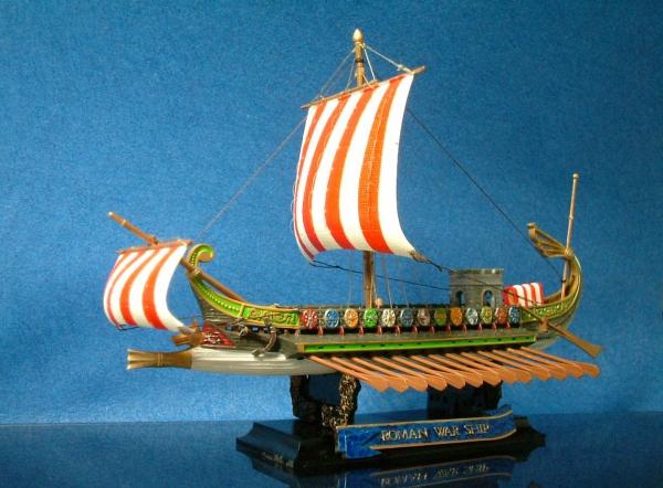 ローマの軍船