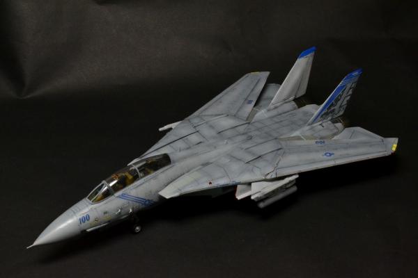 F-14B TOMCAT VF-143 PUKIN DOGS