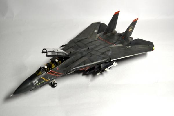 F-14A ハーリング大統領直属 非公式戦闘機隊 ラーズグリーズ マーカス・スノー大尉機 コールサイン「ソーズマン」