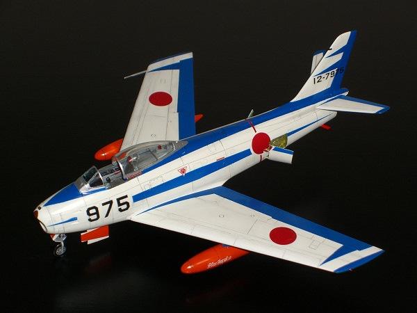 F-86Fセイバー「ブルーインパルス仕様」