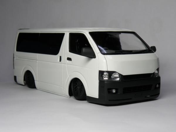 アオシマ  トヨタ ハイエース (200系)