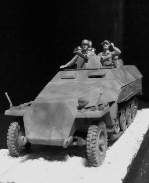 1/72 Sd.Kfz.251/1D 装甲兵員輸送車