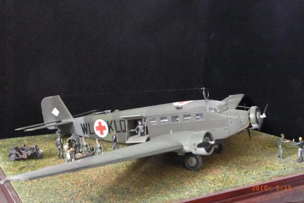 1/72 ドイツ軍JU52負傷兵救護シーン(1)