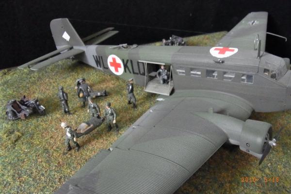 1/72 ドイツ軍JU52負傷兵救護シーン(2)