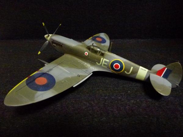 1/72 英空軍 スピットファイア Mk.IX