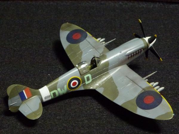 1/72 英空軍 スピットファイア  Mk.XIV