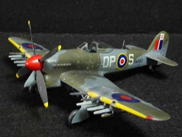 1/72 英空軍 ホーカータイフーン Mk.1B