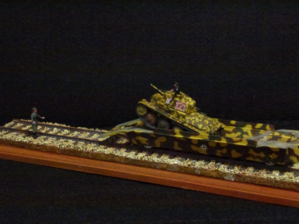 1/72 ドイツ軍 Tank Carrier with Pz.38(t)