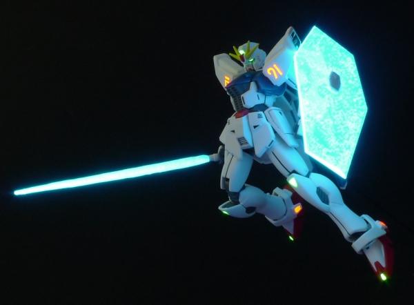 HGUC ガンダムF91 ビームシールド・ビームサーベル発光撮影