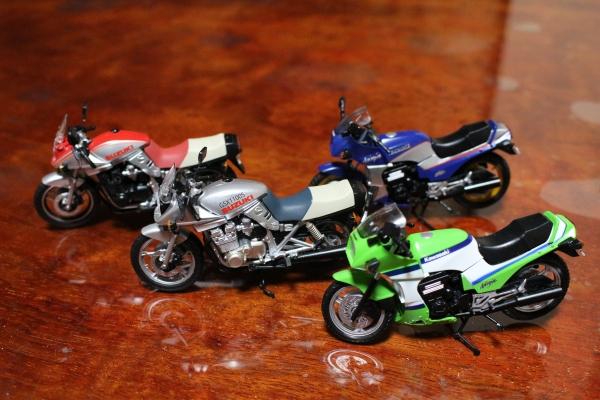 Fトイズ(食玩)ヴィンテージバイク10種です。