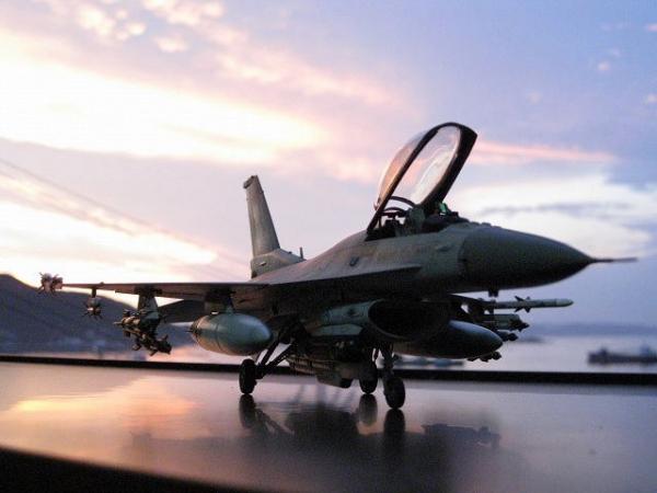 F-16C 1/48