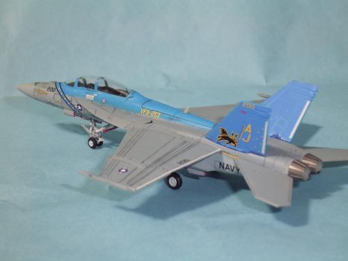 F/A-18F スーパーホーネット VFA-213