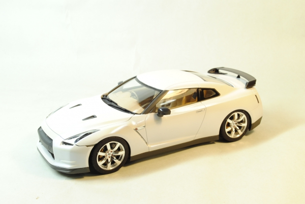 タミヤ 日産GT-R