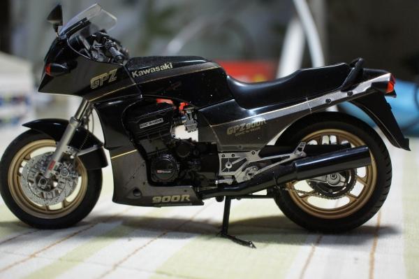 KAWASAKI  GPZ900R A6