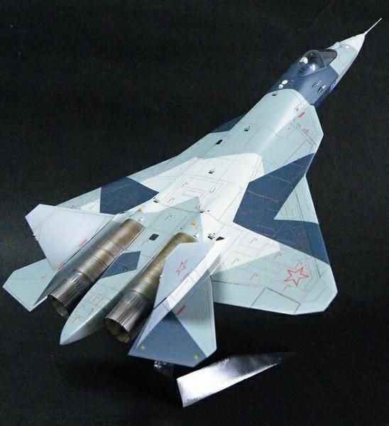 ズベズタ1/72T-50(PAK-FA)