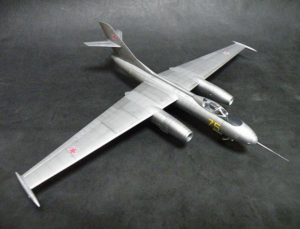 Amodel 1/72 Yak-25RV