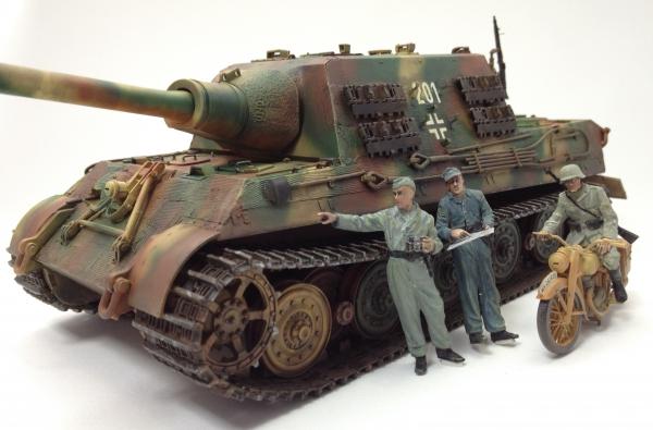 1/35 ドイツ重駆逐戦車ヤークトタイガー中期生産型
