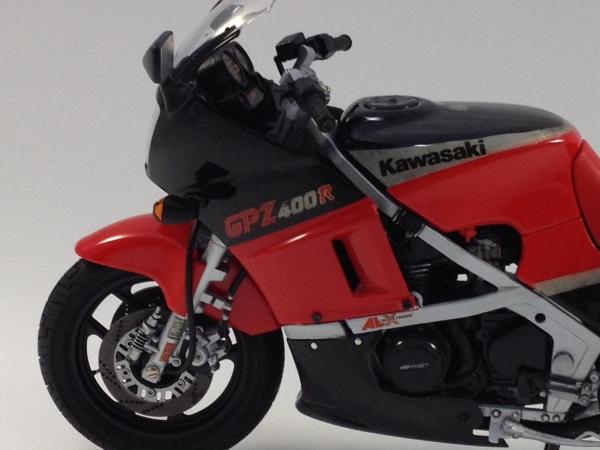 1/12 Kawasaki GPZ400R
