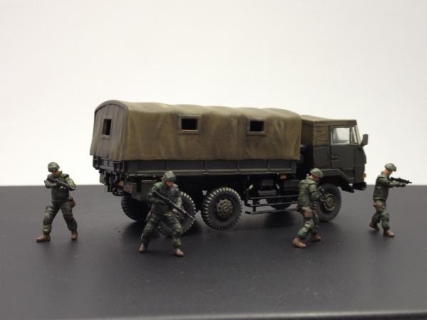 1/72 陸上自衛隊 3 1/2t トラック装甲強化型